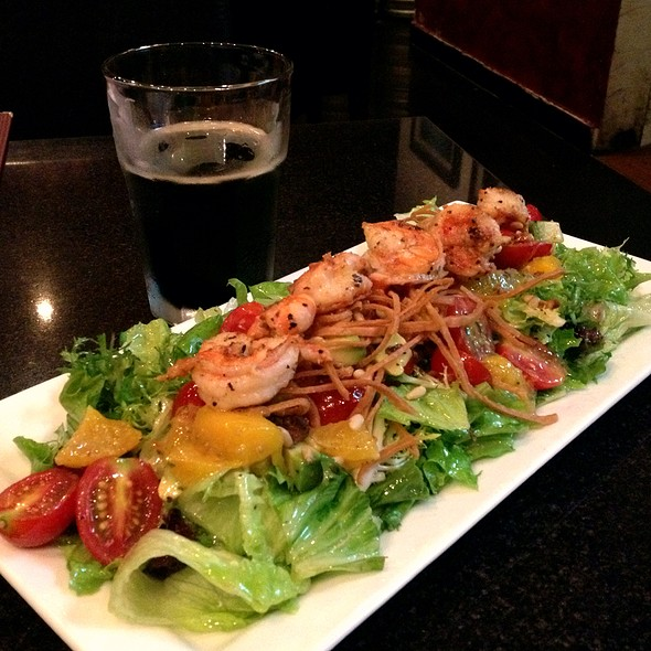 Grilled Prawns And Mango Salad