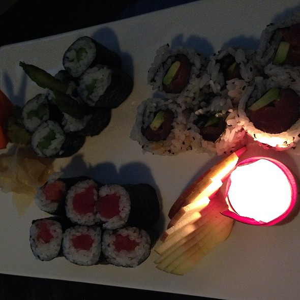 Sushi - Makisu Sushi Lounge and Grill, Skokie, IL