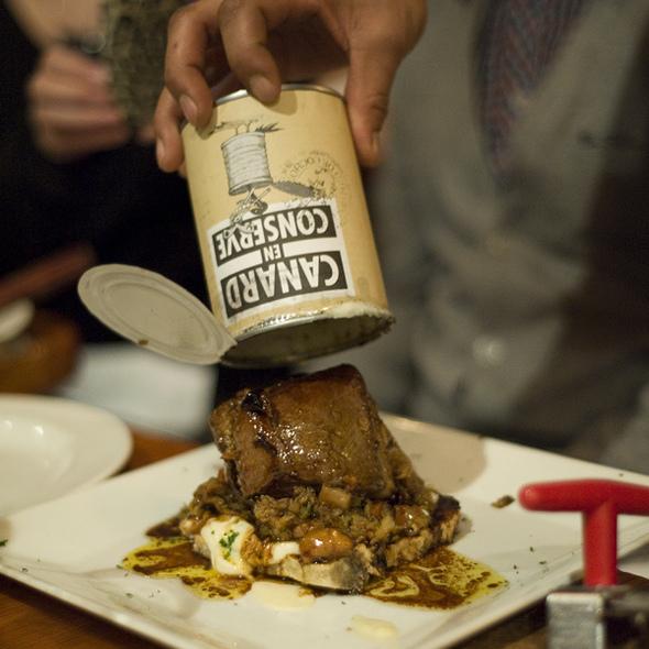 Canard En Conserve @ Restaurant au Pied de Cochon