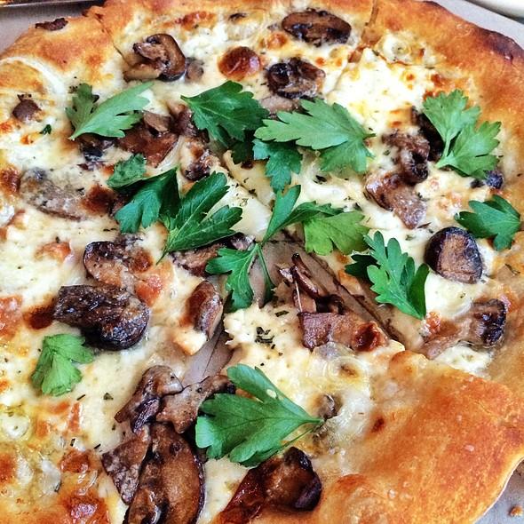 Funghi Puzza - North Italia – Austin, Austin, TX