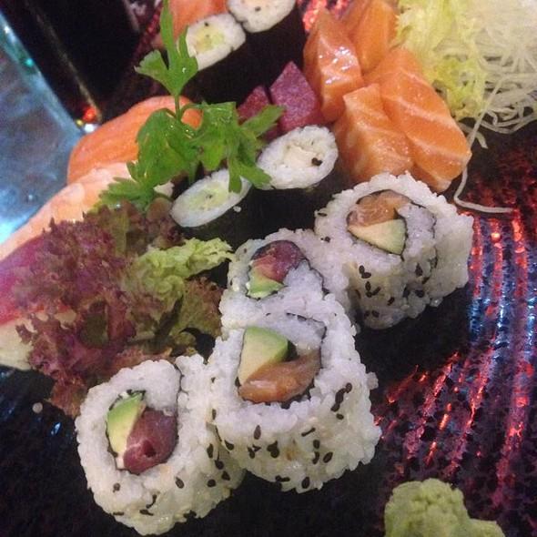 Sashimi Sushi Moriawase