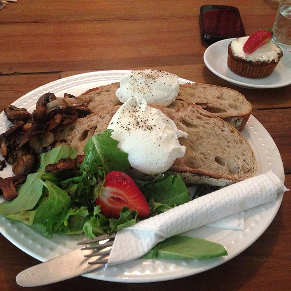 Poached Eggs on Ciabatta @ Nelson the Seagull