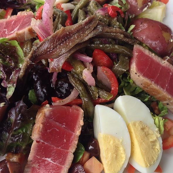 Salad Nicoise @ JJ's Liberty Bistro