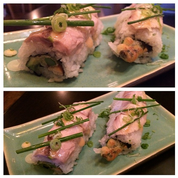 Kitsunrs Kiss Sushi Roll - Japango Sushi Restaurant, Boulder, CO