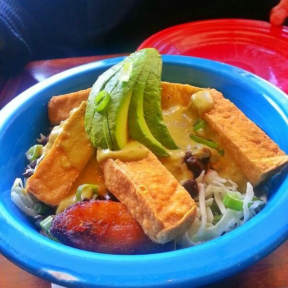 Jungle Curry With Tofu @ Hula's Island Grill
