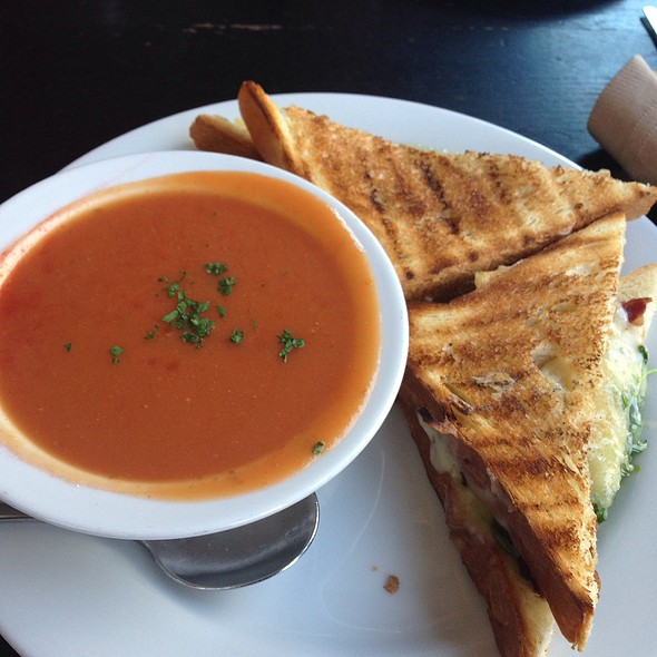 Grilled Cheese And Tomato Bisque Soup - Radish, San Francisco, CA
