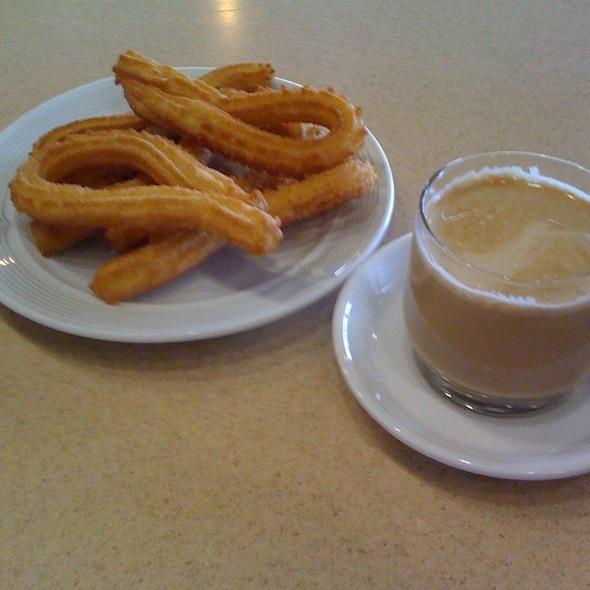 Churros @ Restaurante Cuatro Postes