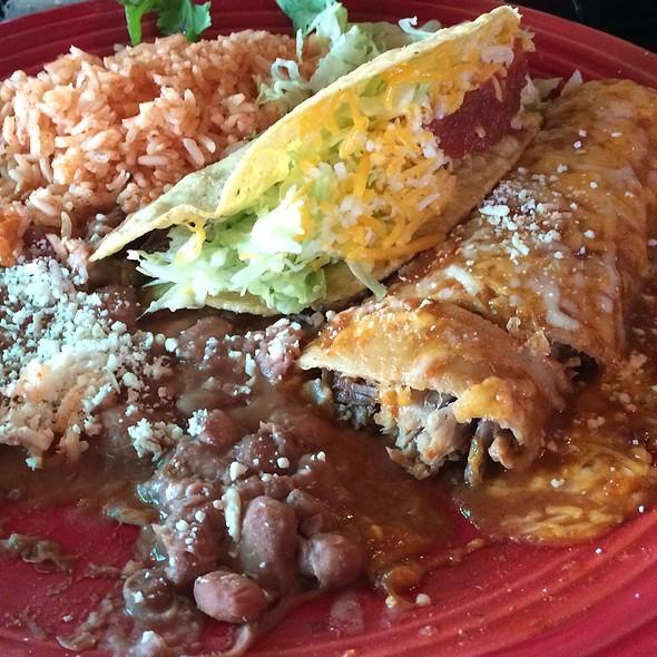Shredded Beef Taco And Carnitas Enchilada @ Las Olas