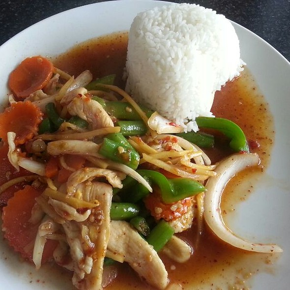 Thai Basil Chicken, Veggie Pad Thai, Jasmine Rice, Garlic Pork Stick, Sateh Chicken Stick, Stuffed Chicken Wings and Pork Spring Roll @ That Noodles