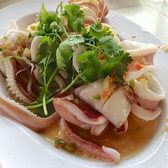 Steamed Squid in Spicy Lime Sauce @ อบอร่อย