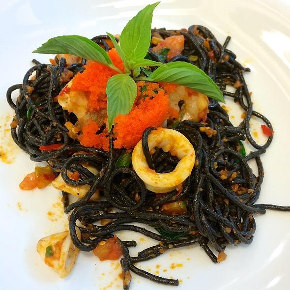 Black Spaghetti with Ebiko & Seafood @ S&P Restaurant - The Nine Neighborhood Center