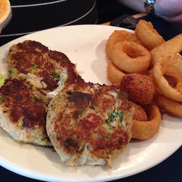 Crabcake Dinner Plate @ The Shrimp Basket