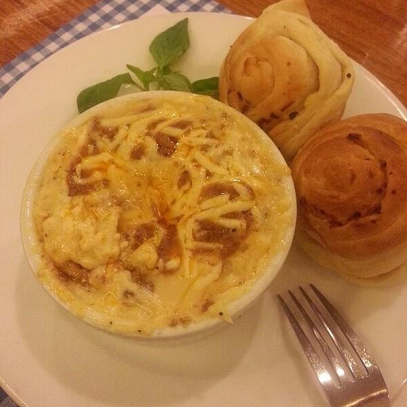 Meat Lasagna @ Mom And Tina's Makati