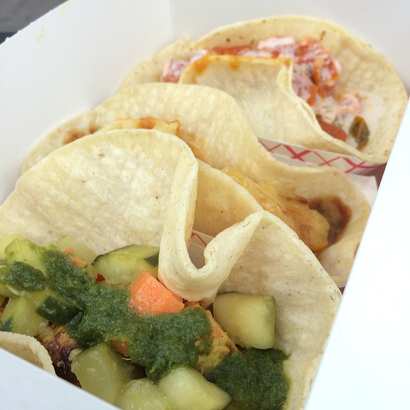 Indian Tacos @ Chutney At Broadway Bites