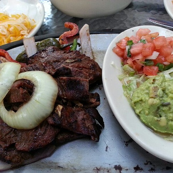beef fajitas @ Uncle Julio's Rio Grande Cafe