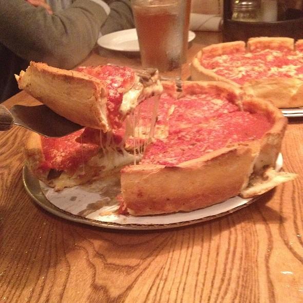Brocolli And Toasted Garlic Pizza @ Giordano's