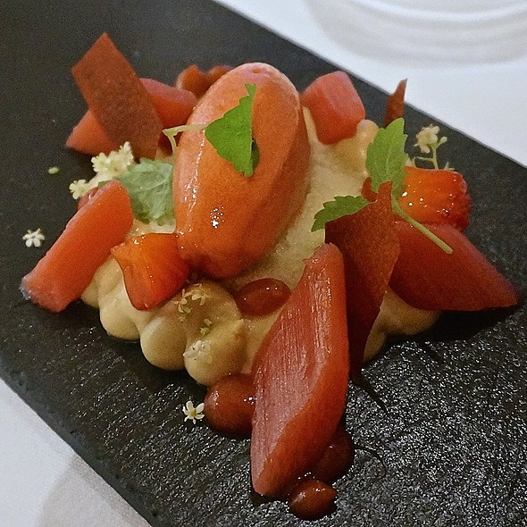 Poached rhubarb, almond, orange blossom, vanilla sponge cake, elderflower, strawberry sorbet - BOSK at Shangri-La Hotel Toronto, Toronto, ON