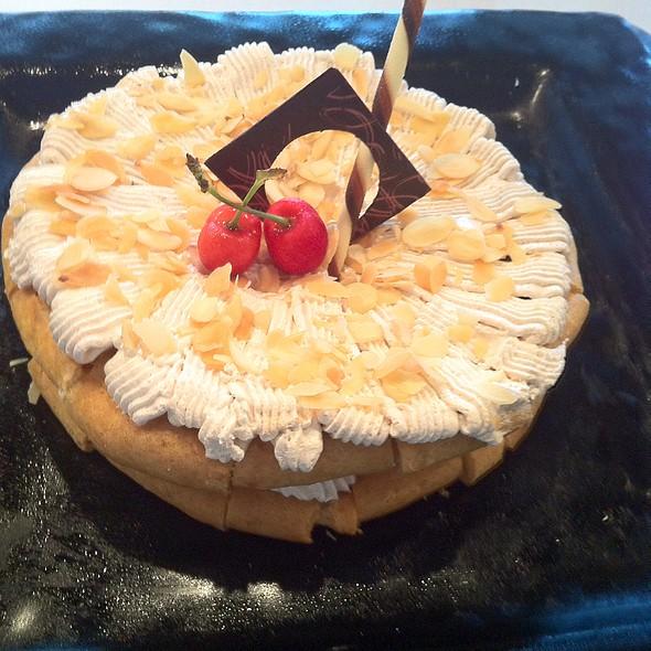 French Saint Honore Cake @ Parkyard Hotel Shanghai