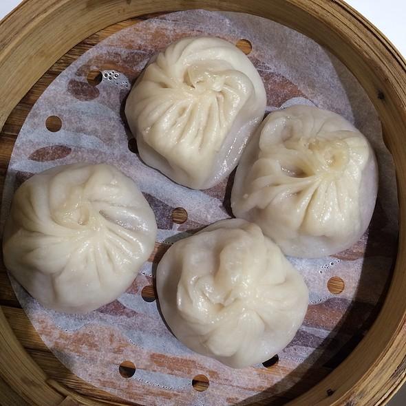 Steamed Dumplings @ Hong Kong International Airport