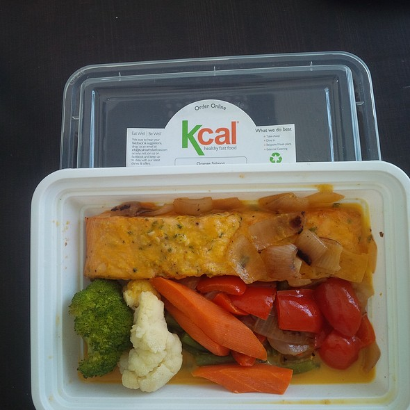 Salmon And Veggie In Ginger Sauce
