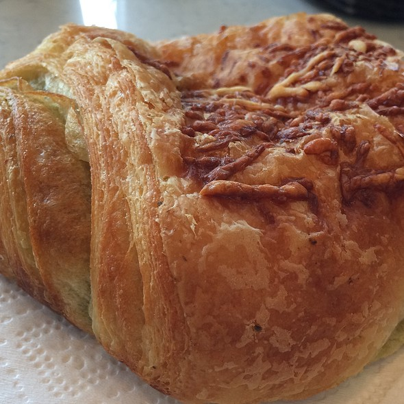 Pesto & Cheese Croissant @ Mon Aime Bakery
