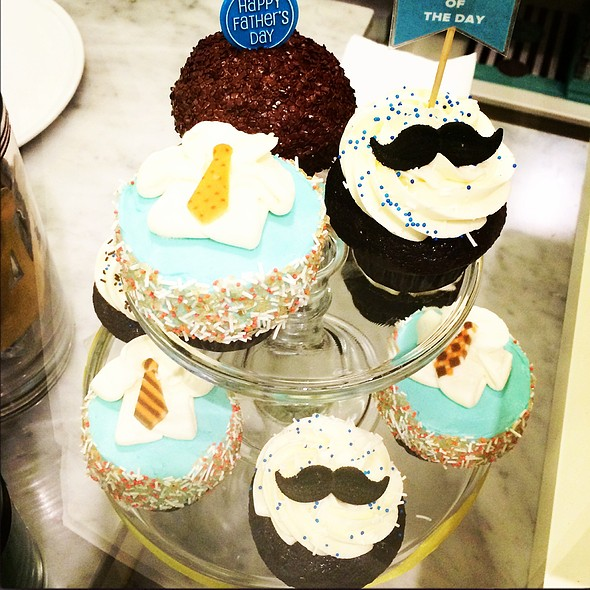 Father's Day Cupcakes @ Trophy Cupcakes and Party