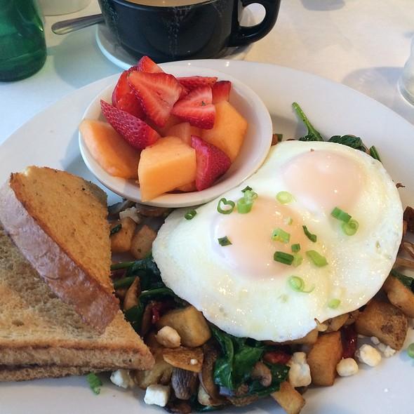 Garden Hash With Eggs