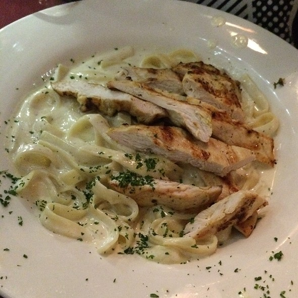 Chicken Pasta Alfredo @ Rivas Restaurant & Bar