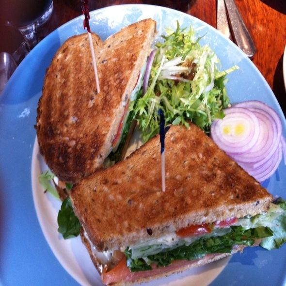 Smoked Salmon Sandwich - Elephant & Castle - New York, New York, NY