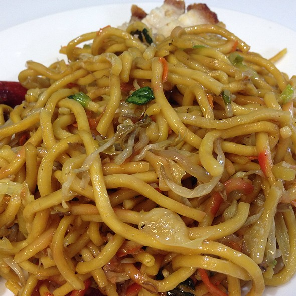 Stir Fried Noodles @ Shangri-La Chinese (Kingsway Shopping Centre Food Court)