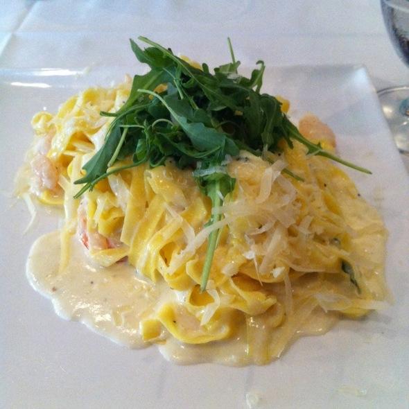 Fetuccini Alfredo - Olivos Restaurant, Doral, FL