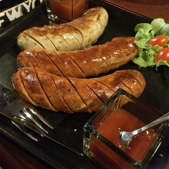 ไส้กรอกรวม Mixed Sausages @ Fillmore St.