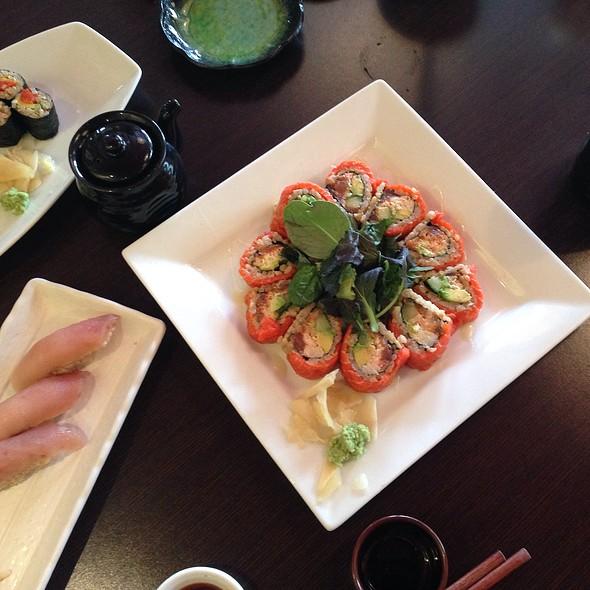 Crab & Avocado Roll @ Shizen Ya