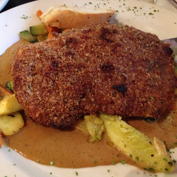 Pecan Crusted Chicken @ Empire Café