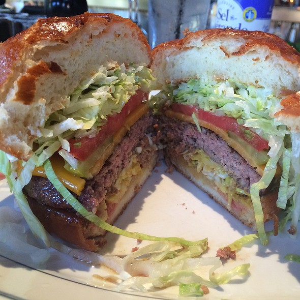 Cheeseburger @ Hillstone