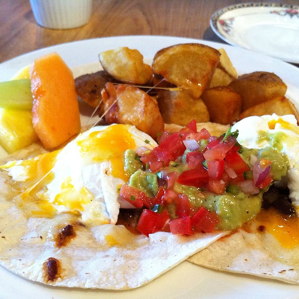 Huevos rancheros @ Smith