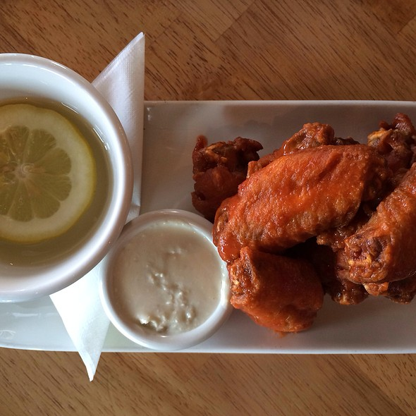 Chicken Wings - Mahony & Sons - Burrard Landing, Vancouver, BC