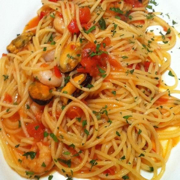 Spaghetti Frutti Di Mare @ Sicilia in Bocca