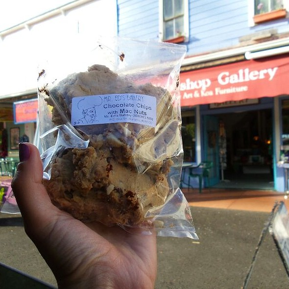 Chocolate Chip And Macadamia Nuts Cookies @ Mr Ed's Bakery