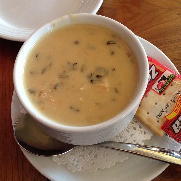 Chicken & Wild Rice Soup - restaurant Max, Minneapolis, MN