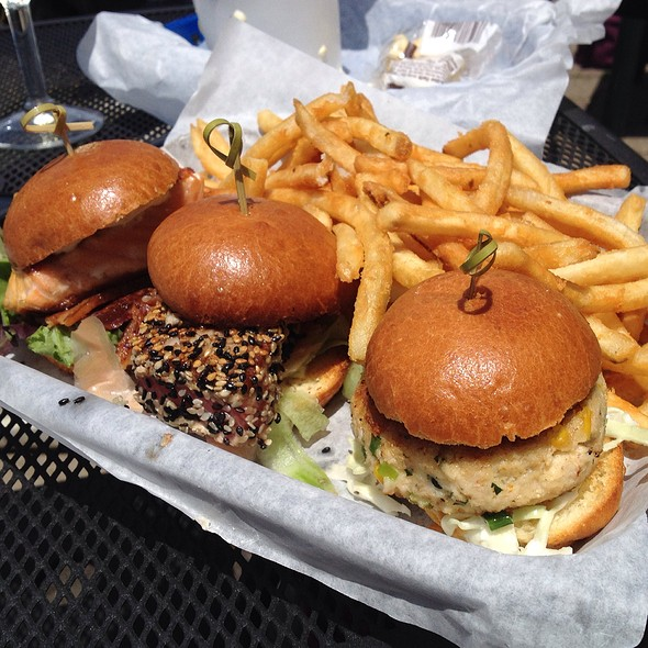 Coast Sliders @ Moss Beach Distillery