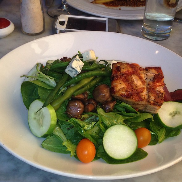 Make-Your-Own Salad @ Brasserie Du Soleil