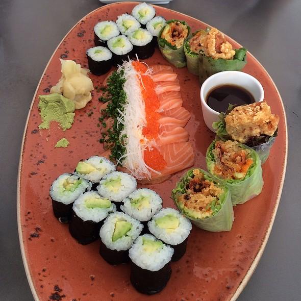 Sushi Platter @ Sticks 'N' Sushi