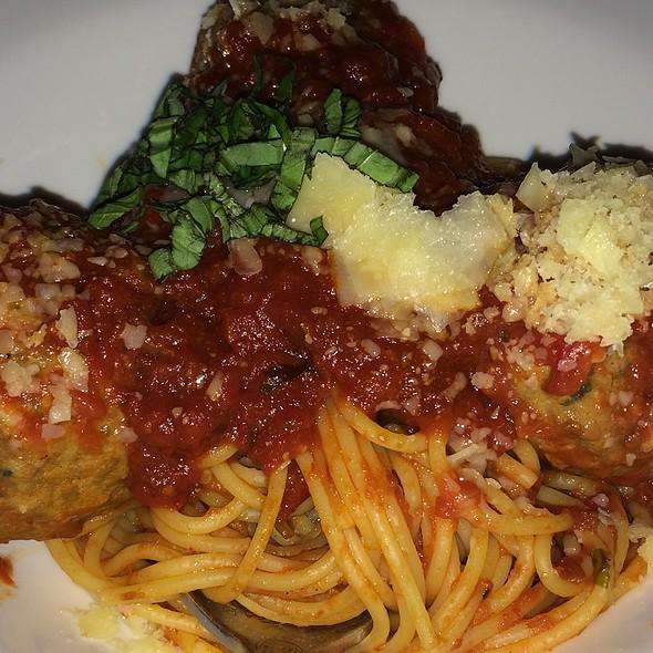 Spaghetti con Polpette - Mama Della's Ristorante at Loews Portofino Bay Hotel, Orlando, FL