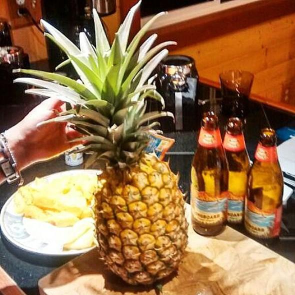 Hawaiian Pineapple  @ Alas Del Kealoha