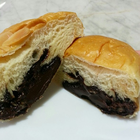 Chocolate And Almond Bun