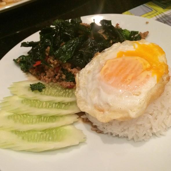 Thai Basil Pork over Rice / ข้าวกระเพราหมู
