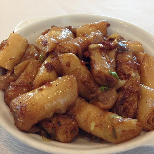 Pan Fried Noodles In Xo Sauce @ Hong Kong East Ocean Seafood Restaurant