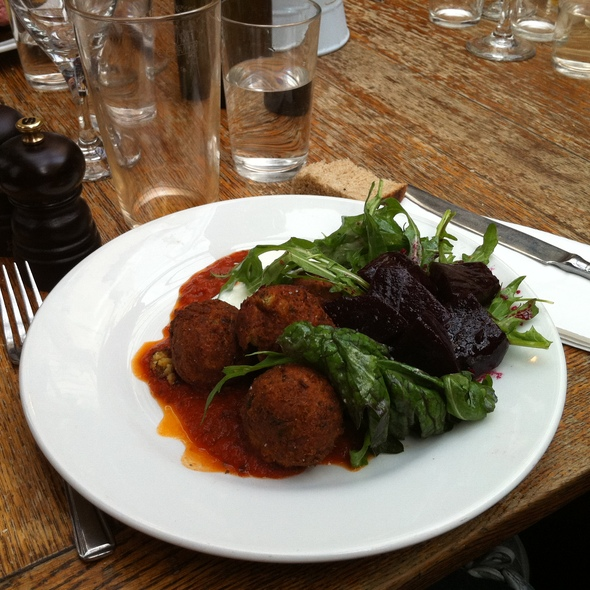 Falafel with tomato sauce and beetroot salad @ The Duke of Cambridge
