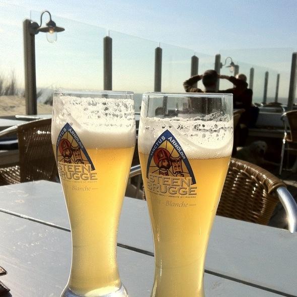 Steenbrugge @ Strandpaviljoen De Zeemeeuw
